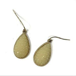 Francesca's Textured Tear Drop Earrings
